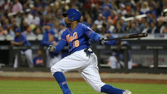 Rajai Davis belts 3-run HR to give Mets insurance