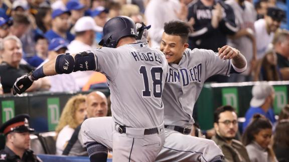 Padres pummel franchise-record seven HRs in blowout win