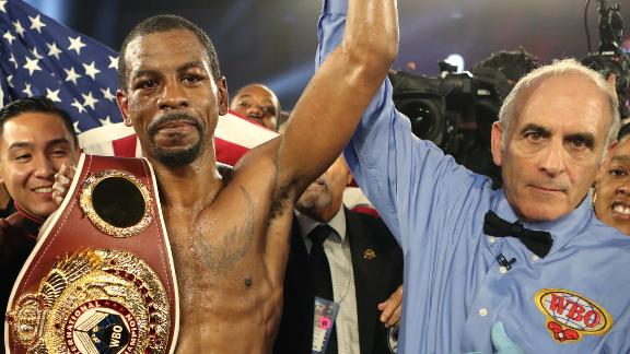 Herring wins title by unanimous decision