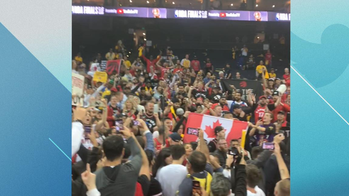 Toronto fans sing 'O Canada' at Oracle Arena