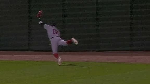 Robles lays out for amazing catch
