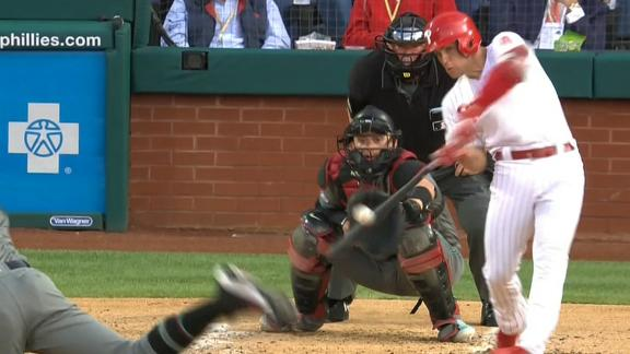 Kingery belts 3-run homer in 2nd inning