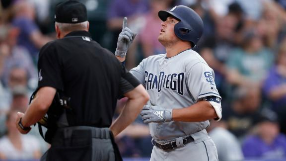 Renfroe belts 3 homers in Padres' comeback win