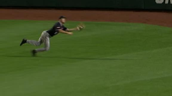 Red Raiders' Neuse makes diving grab in center