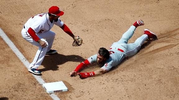 Parra throws out Harper at third