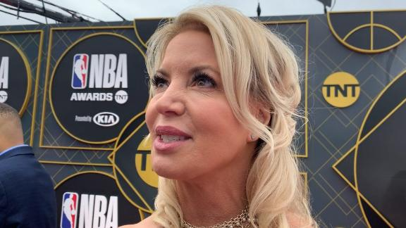 Jeanie Buss says Magic's exit caught her 'off guard'