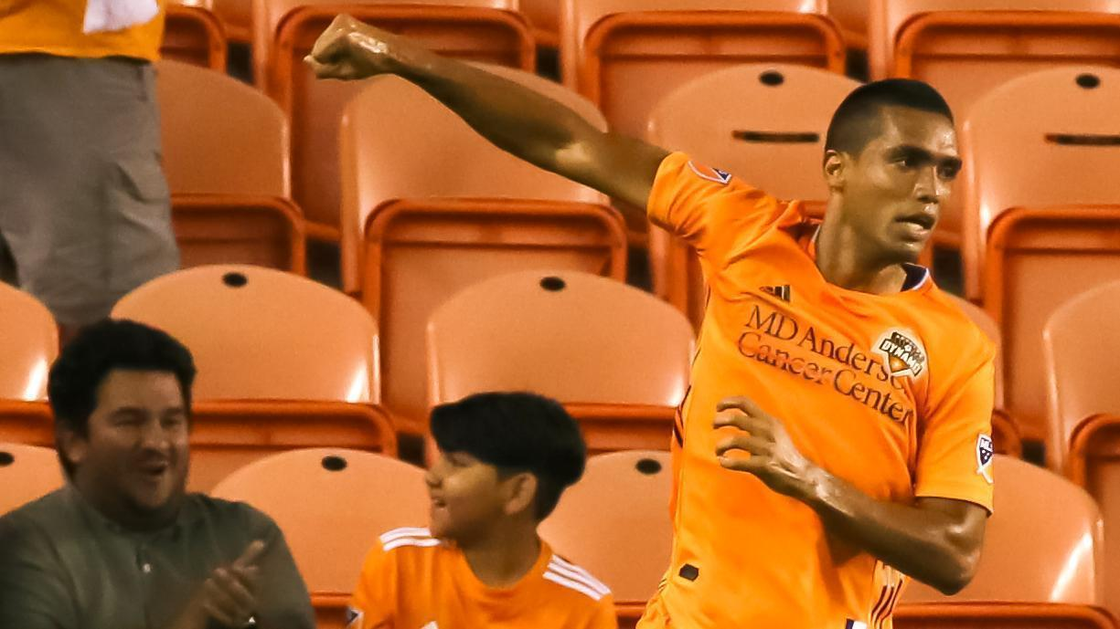 Elis sets up Manotas for Houston's opener