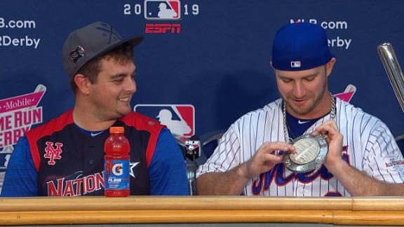 Alonso shows off his HR Derby champ chain