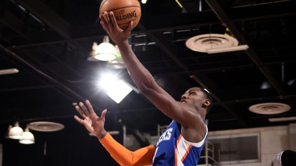 Barrett records double-double in Knicks' win
