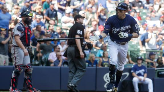 Yelich ties Bellinger for most homers this season