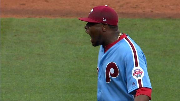 Roberts: Our dugout took Neris' taunts personally