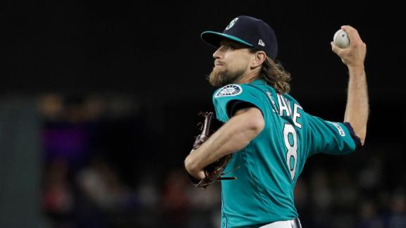 Leake flirts with perfection, loses bid in 9th