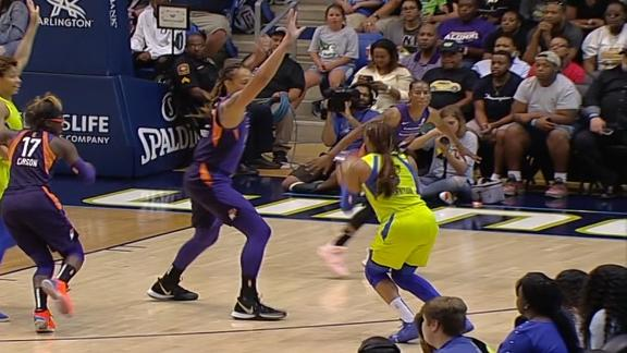 Griner stuffs 3-point shot attempt