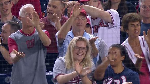 Nationals Park loves 'Baby Shark'