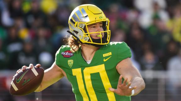 Herbert's return helps Oregon establish championship credibility