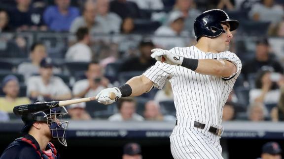 Tauchman's 2-run single puts Yankees ahead