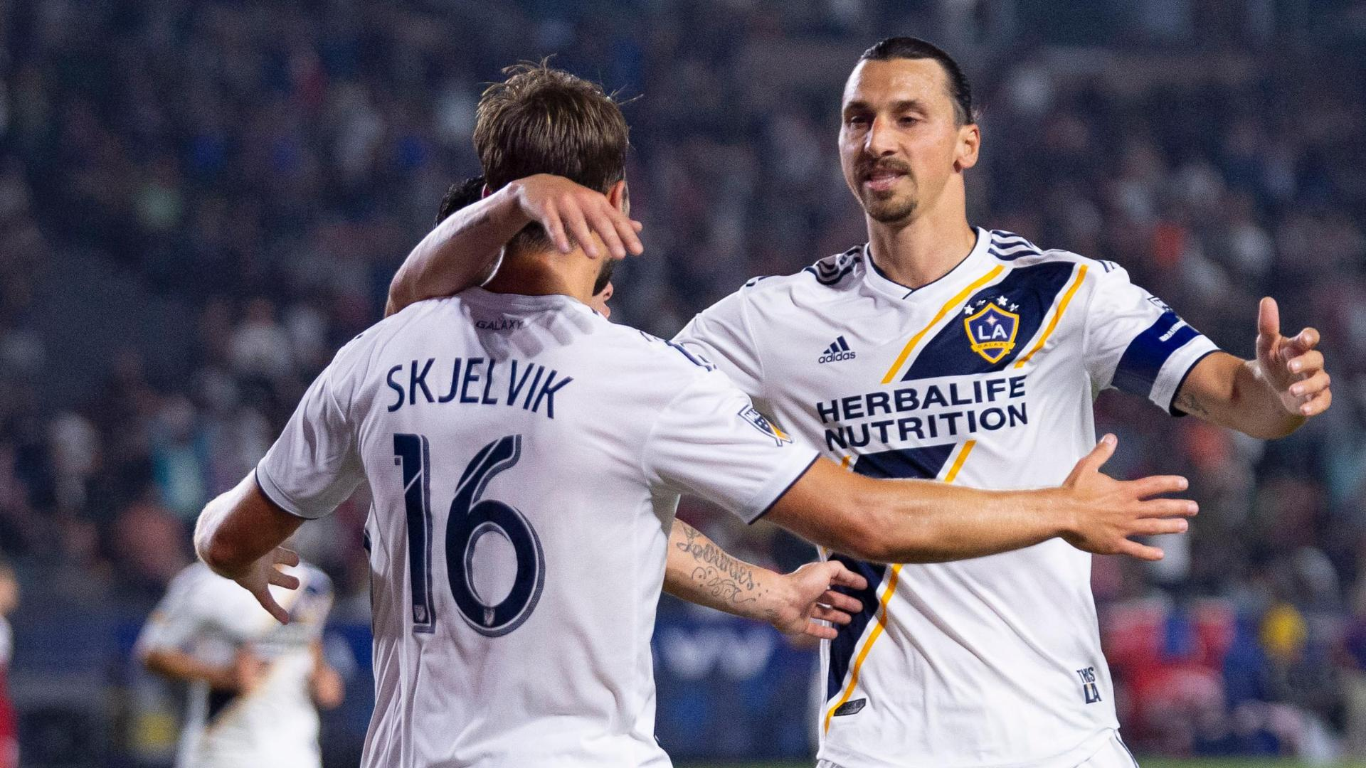 Zlatan puts the Galaxy in front against Dallas