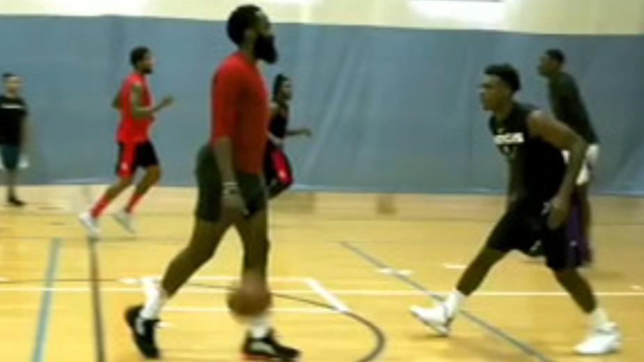 Harden shows off a new move