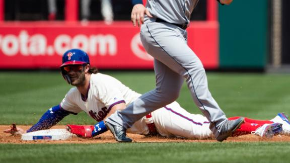 Harper singles in 4th, leaves with dehydration in 5th