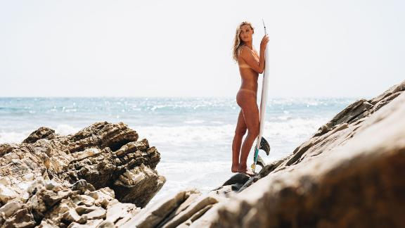 Behind the scenes of Lakey Peterson's Body Issue shoot