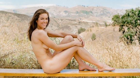 Behind the scenes of Kelley O'Hara's Body Issue shoot