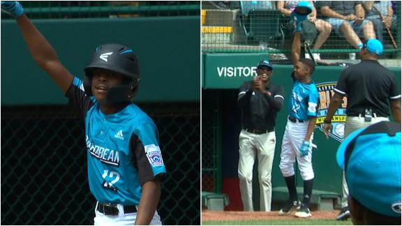 Curacao's Martha hits HR then gives a curtain call