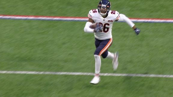 Bush returns INT 91 yards for a Bears TD