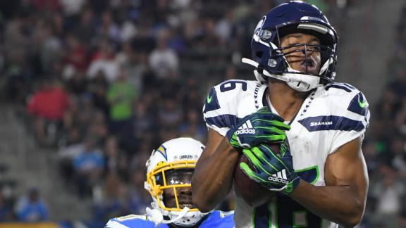 Wilson's pass to Lockett sets up Seahawks' TD