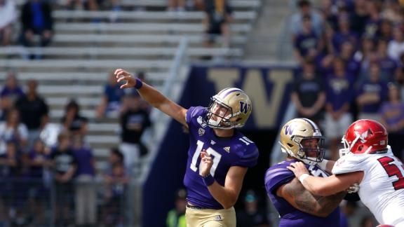 Eason throws 50-yard pass for 1st Washington TD