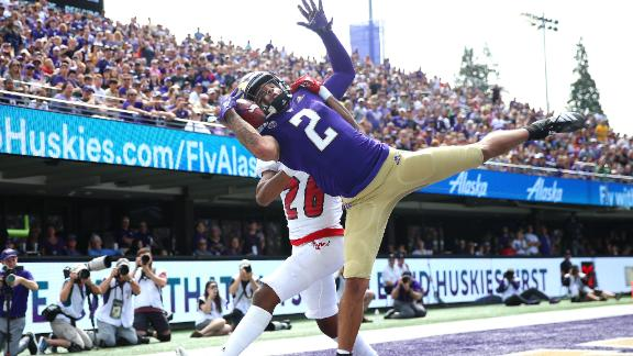 Washington's Fuller snags one-handed TD pass