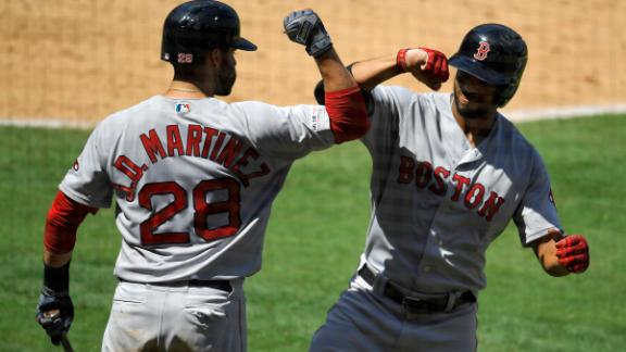 Bogaerts, Martinez go back-to-back in Sox win