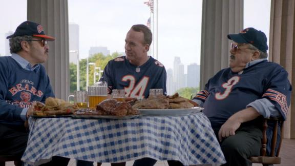 The Superfans try to lure Peyton to the South Side