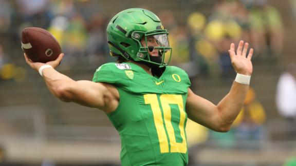 Herbert throws TDs to 5 different receivers in win