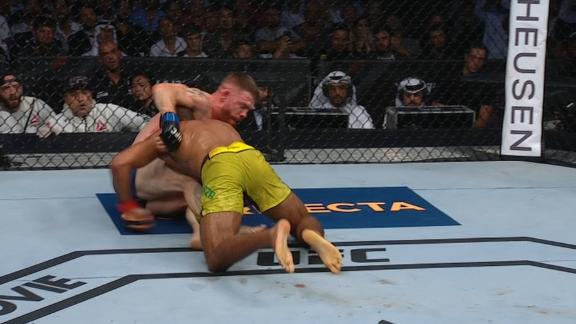 Felder and Barboza go back and forth in slug fest