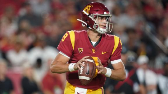 Slovis throws 3 TDs in 1st USC start