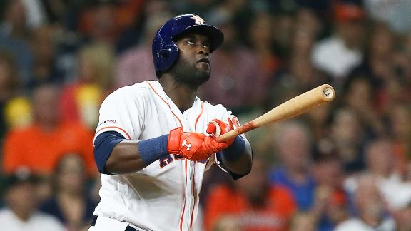 Alvarez crushes 2 solo shots in Astros' win