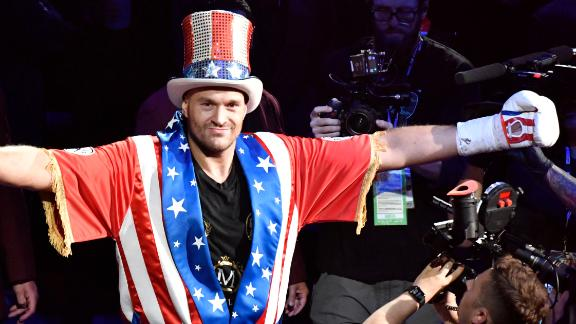 Fury: Vegas was best chance to showcase Apollo Creed outfit