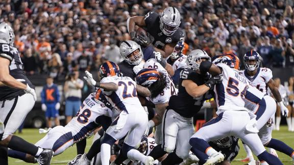 Williams, Jacobs shine as Raiders take down Broncos