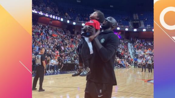 Tacko gives youngster a boost for the jam
