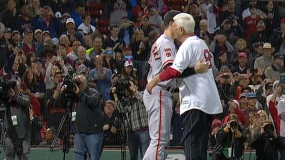 Yaz throws out first pitch to his grandson