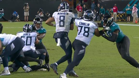 Mariota tripped by own teammate on sack