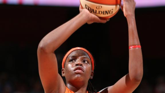 Jones scores 27 points as Sun take down Sparks