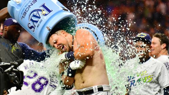Lowe's 2-run HR sends Rays to walk-off win