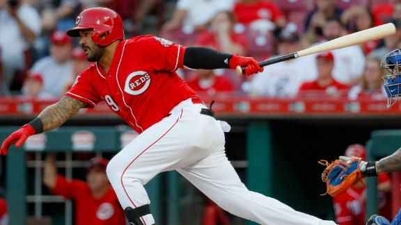 Reds go ahead on single in 8th