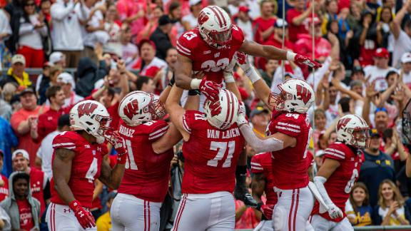 Wisconsin dominates on the ground in win over Michigan