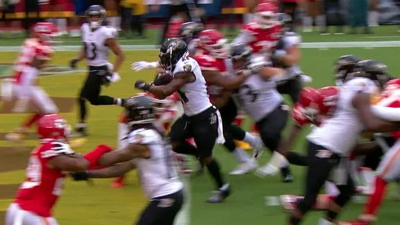 Ingram punches in TD after Jackson's ankle-breaking run