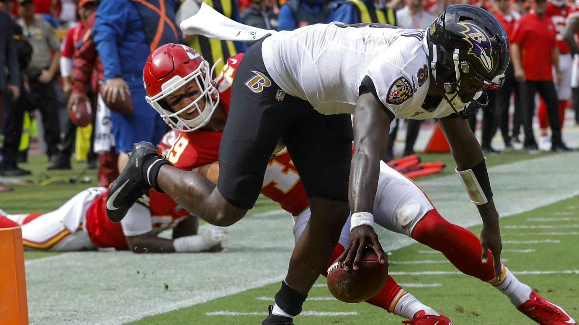 Jackson shows off video game moves in loss to Chiefs