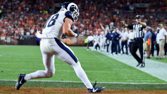 Goff throws 2 red-zone TDs to Kupp