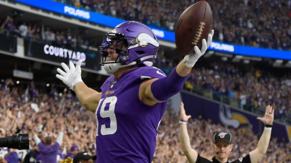 Thielen scores TDs two different ways in rout of Raiders