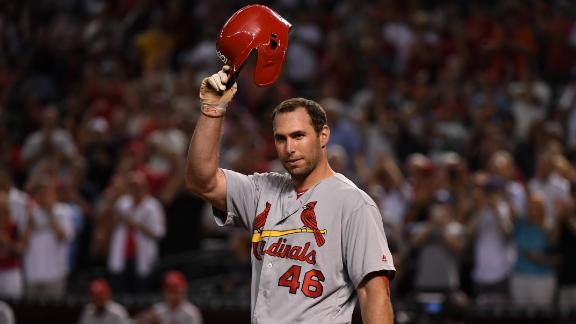 Goldschmidt gets ovation, homers in return to Arizona